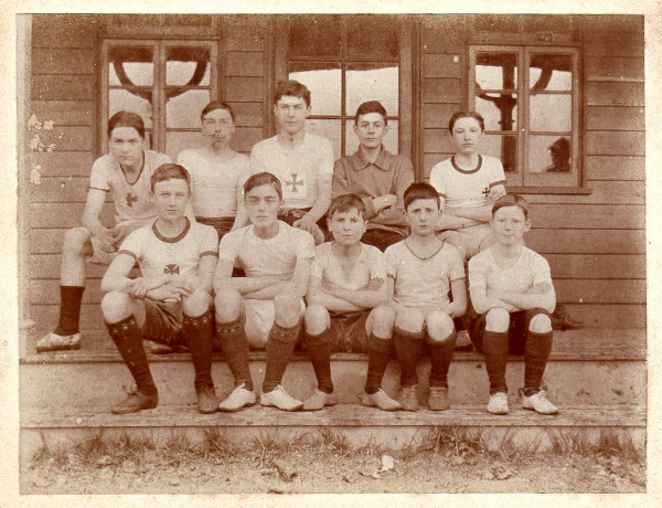 Childhood 24 Harriers 1913