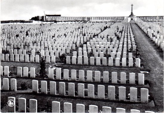 wfp postcard sent to HW 1971 Tyne Cot